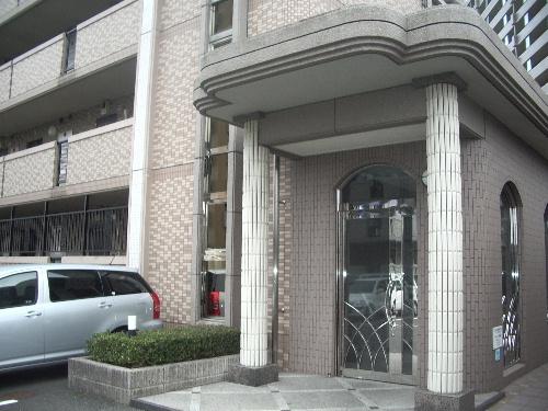 シャトレ弐番館 / 402号室エントランス