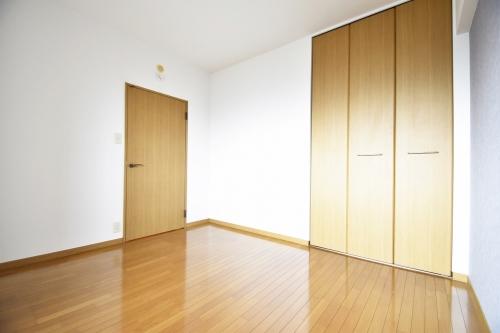 シャトレ天拝 / 105号室