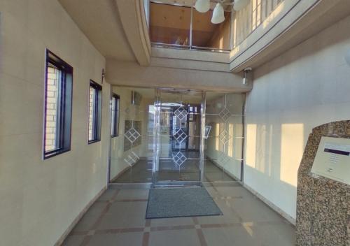 プレステージ塔原 / 401号室エントランス