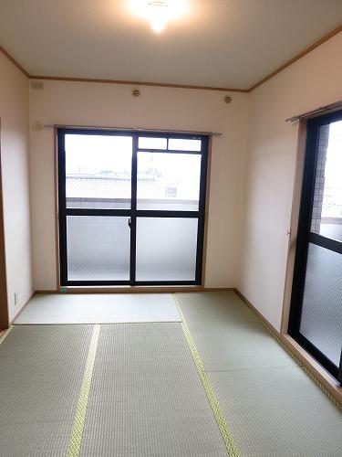 エクセレント中嶋Ⅲ / 305号室玄関