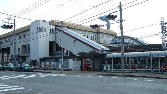 筑紫駅徒歩4分 急行停車駅です。
