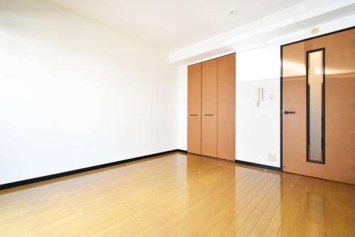 フォーライフ小戸 / 105号室