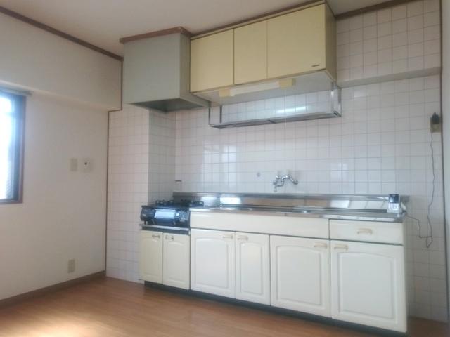 コーポのなか / 301号室キッチン