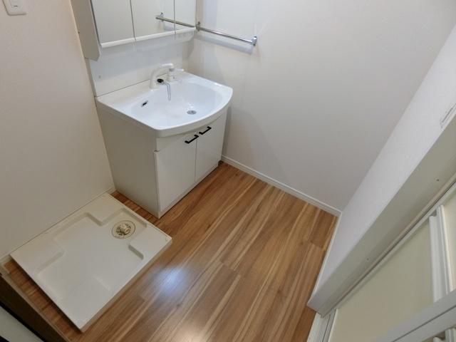 ウエスト ヴィラ / 602号室洗面所
