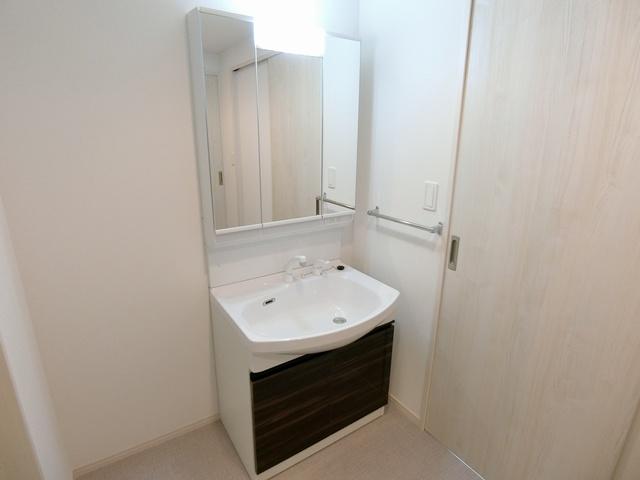 ドゥ・メゾン / 103号室洗面所