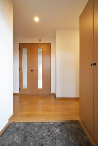 ロイヤルMⅡ / 501号室玄関