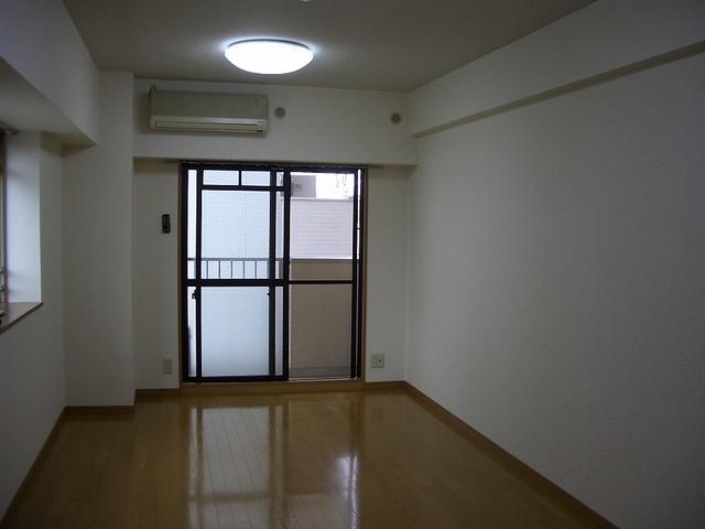 アネモス春日原 / 202号室