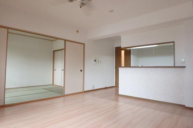 フレア・クレスト水城 / 102号室