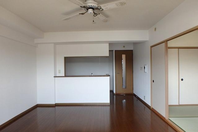 フレア・クレスト水城 / 601号室