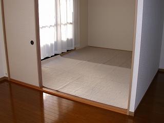 グランピア若草 / 302号室