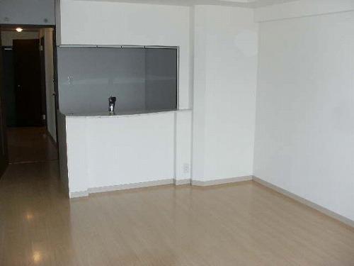 レジデンス御笠川 / 702号室