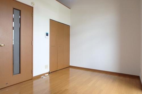 ジュネス10 / 101号室リビング