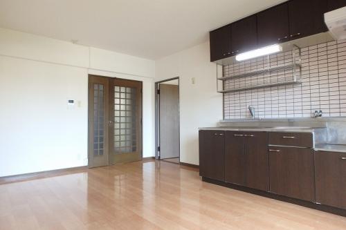 シュロス大谷 / 402号室リビング