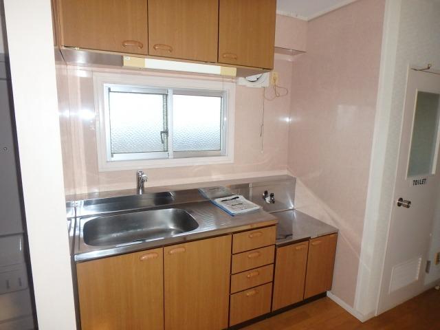 丸高ビル / 302号室キッチン