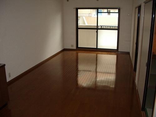 クレール東大利B / 301号室
