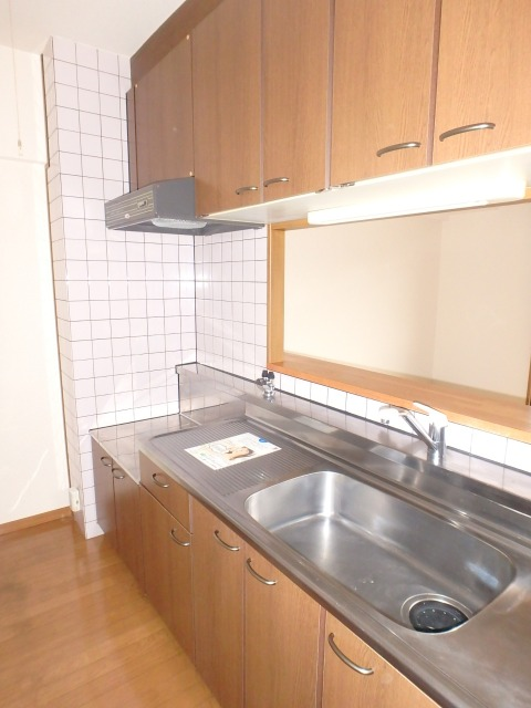 フローラルハイツ / 403号室キッチン
