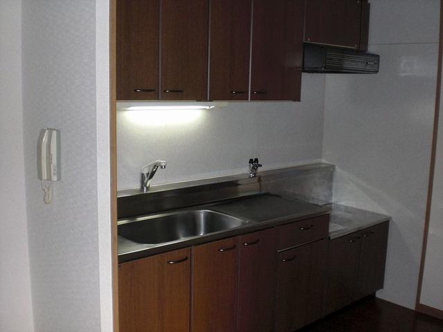 グランピア若草 / 401号室キッチン