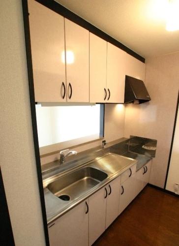 アゼリアⅡ / 502号室キッチン
