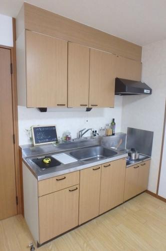 アムール8 / B-202号室キッチン
