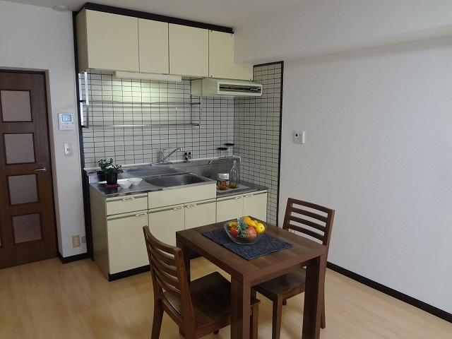 フレグランス20 / 405号室キッチン