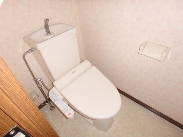 ジュネス東大利 / 101号室トイレ