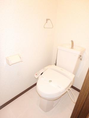 ジュネス東大利 / 103号室トイレ