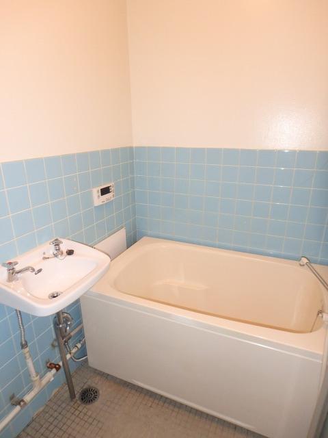 丸高ビル / 302号室トイレ