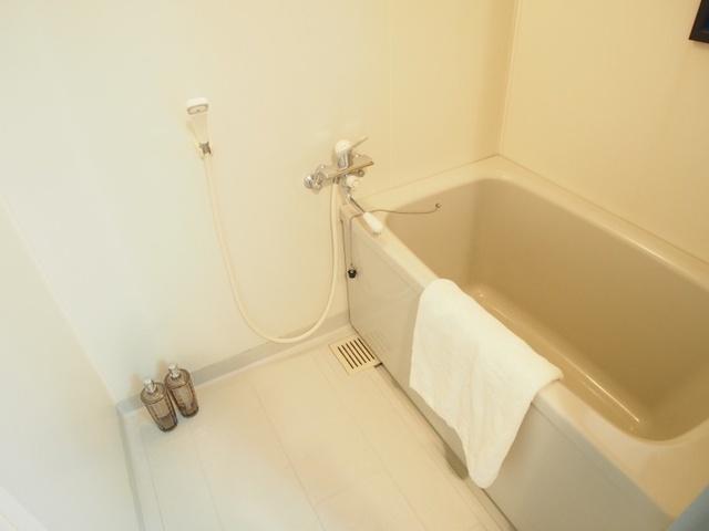 ホワイトヴィラ / 202号室トイレ