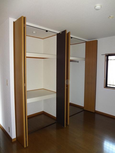 ホワイトヴィラ / 205号室