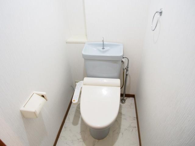 クレール東大利B / 201号室トイレ