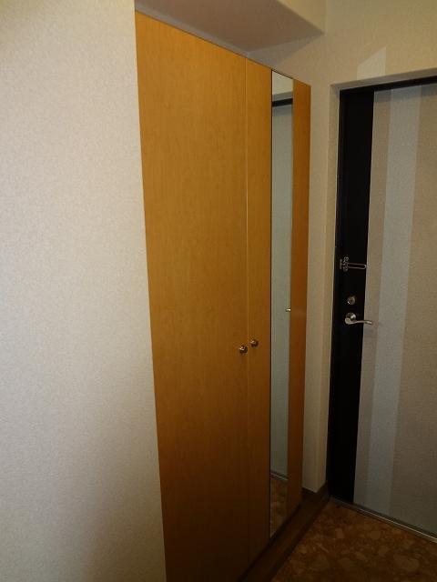 シーラ・プラッツ / 202号室玄関