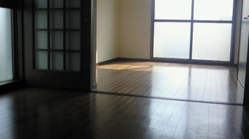 ジュネス東大利 / 202号室