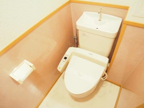 ブティア・ドゥ / 403号室トイレ