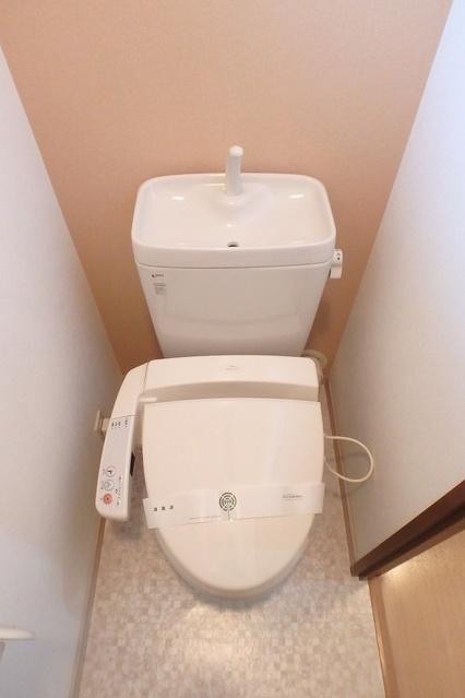 セラヴィ / 402号室トイレ