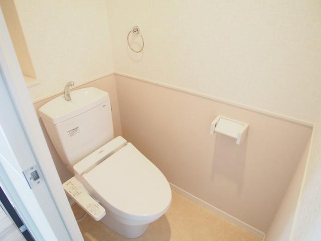 エスパシオ フェリス大野城 / 201号室トイレ