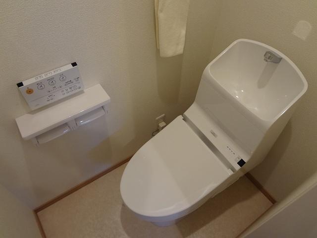 バインズ / B-2号室トイレ