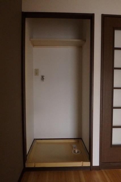 ジュネス東大利 / 401号室洗面所