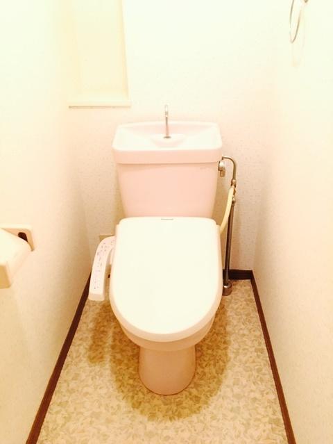 クレール東大利A / 202号室トイレ