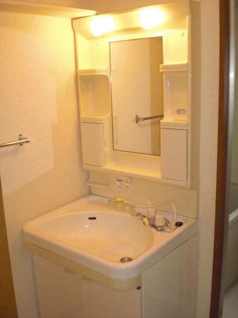 クレール東大利B / 303号室