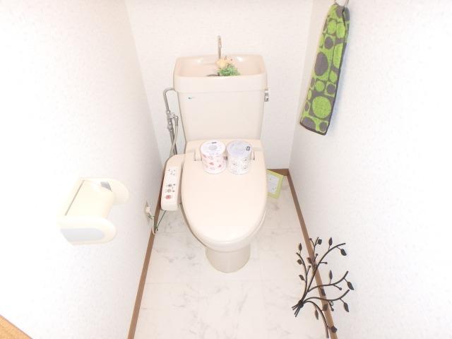 フローラルハイツ / 203号室トイレ