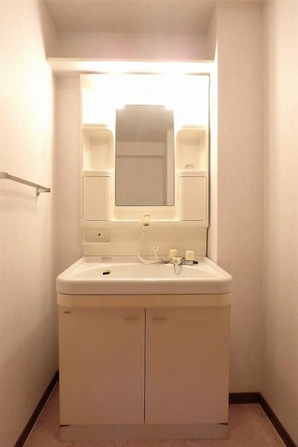 フレア・クレスト水城 / 605号室洗面所