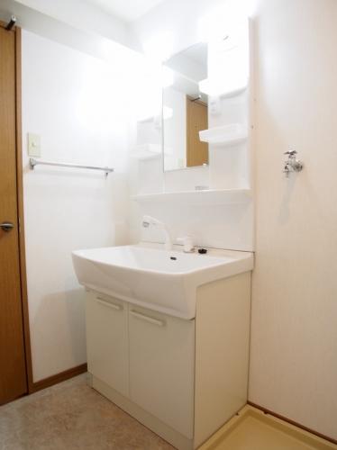 グランピア若草 / 602号室洗面所
