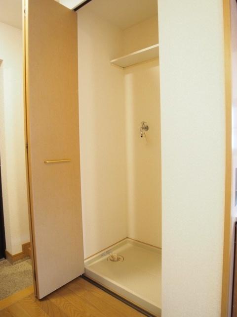 ブティア・ドゥ / 401号室洗面所
