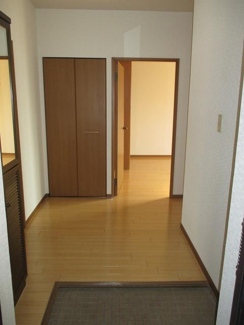 高義ビルⅡ / 106号室玄関