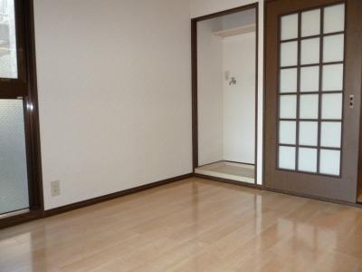 ジュネス東大利 / 101号室リビング