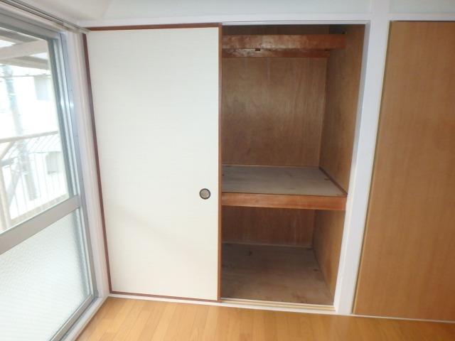 丸高ビル / 302号室洋室