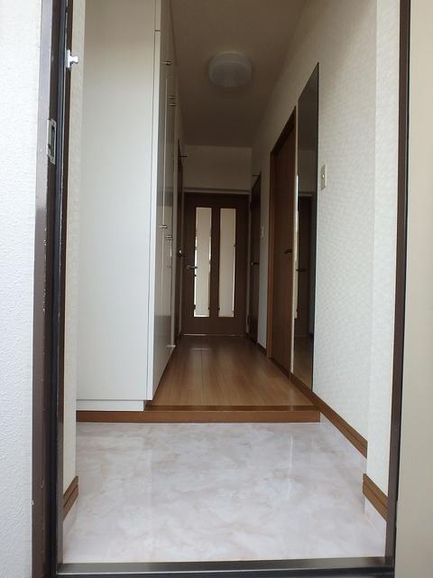ルミエール東大利 / 303号室玄関