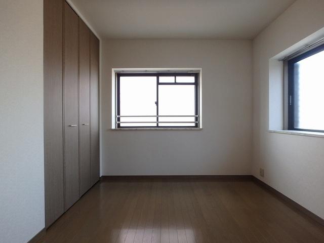 ホワイトヴィラ / 405号室洋室