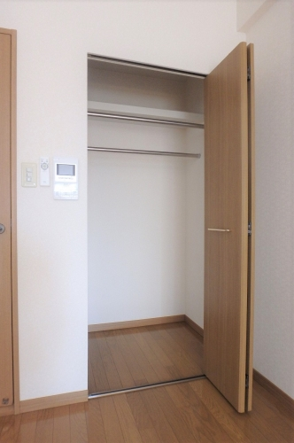 アネモス春日原 / 503号室玄関