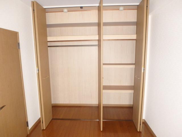 グランピア若草 / 401号室収納
